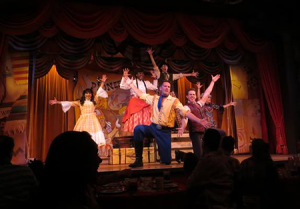 Hoop Dee Doo Dinner Show group shot Disney World