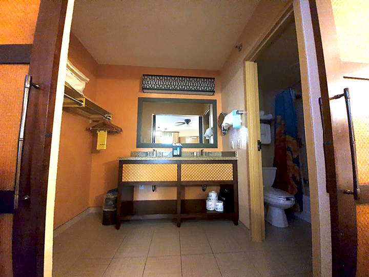 Bathroom in Disney's Caribbean Beach Resort Room