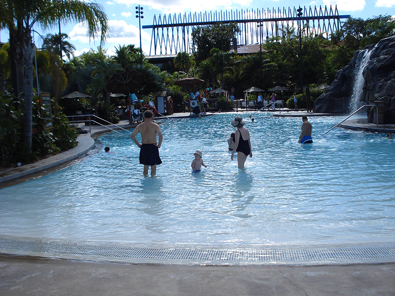 Disney's Polynesian Village Resort pool before 2015
