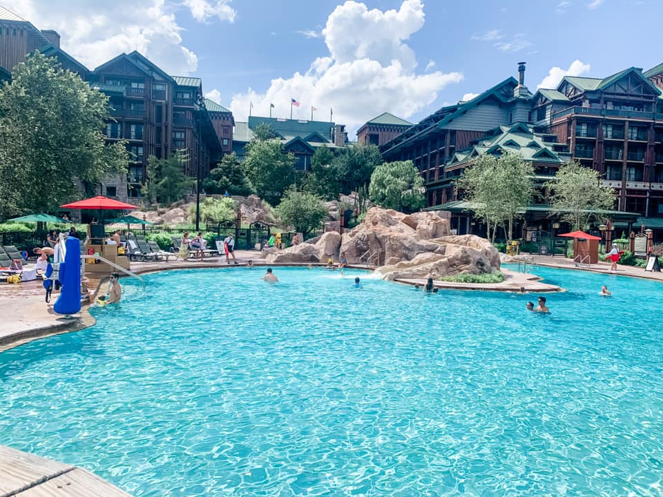 Wilderness Lodge back view from pool