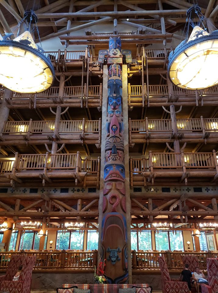 Lobby in Wilderness Lodge Totem Pole