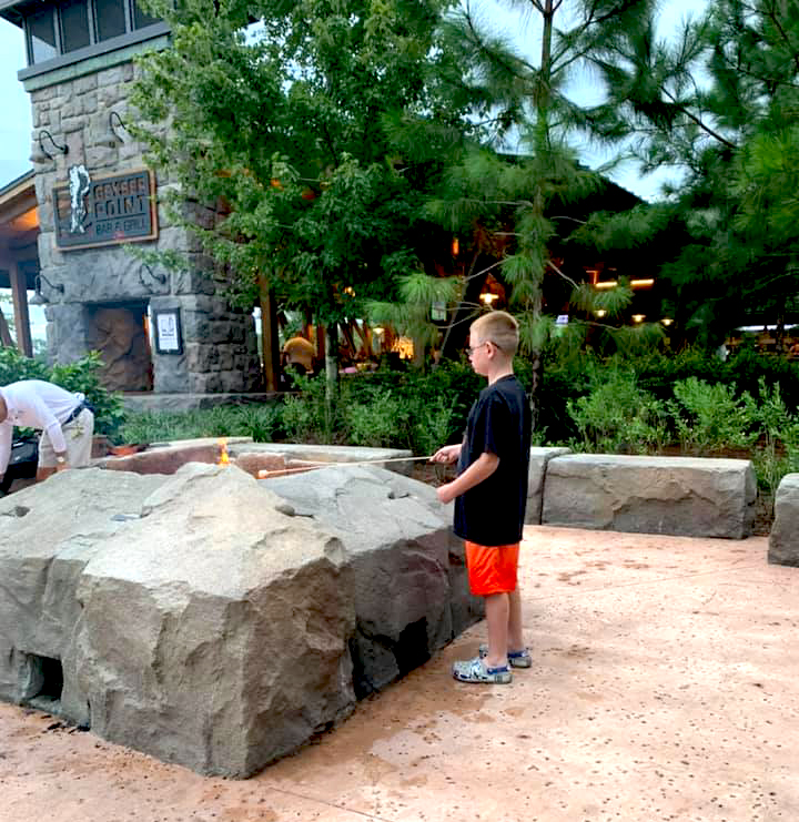 Free marshmallow roasting at the Wilderness Lodge fire pit (photo by Colleen Larsen)
