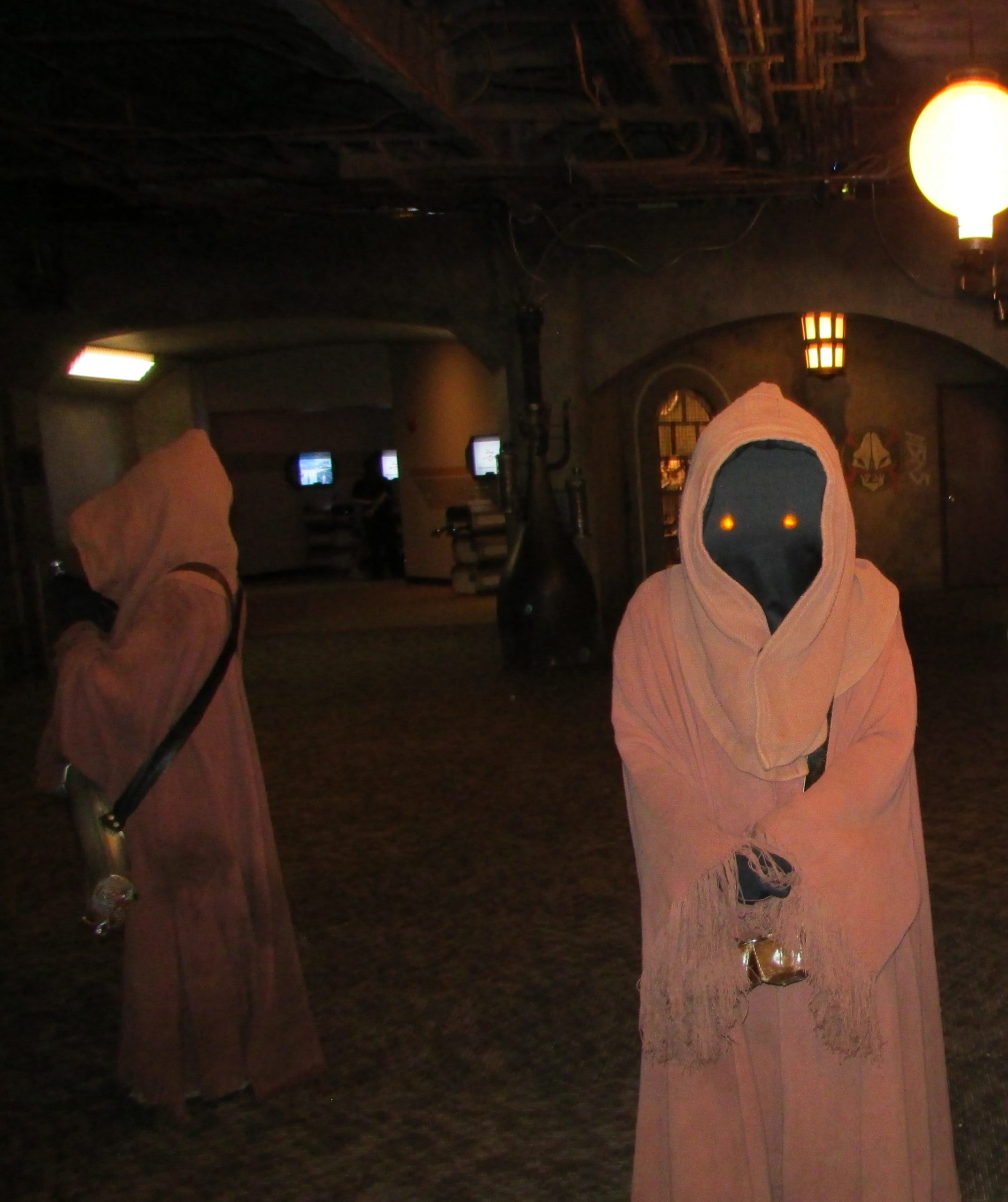 Roaming characters in Star Wars Launch Bay - Hollywood Studios - Disney World