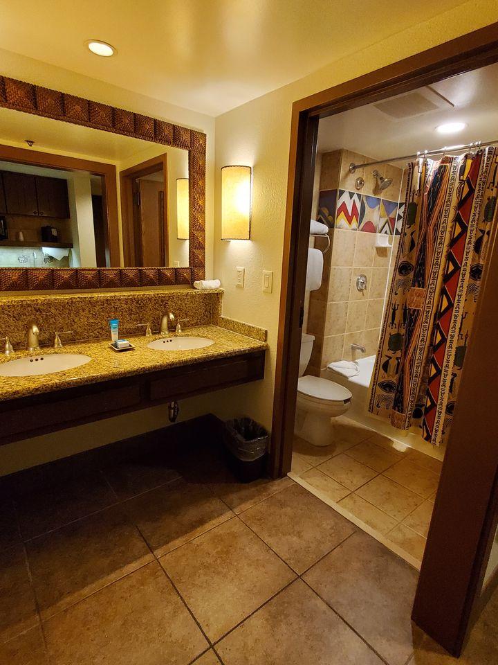Jamba House Studio Villa bathroom