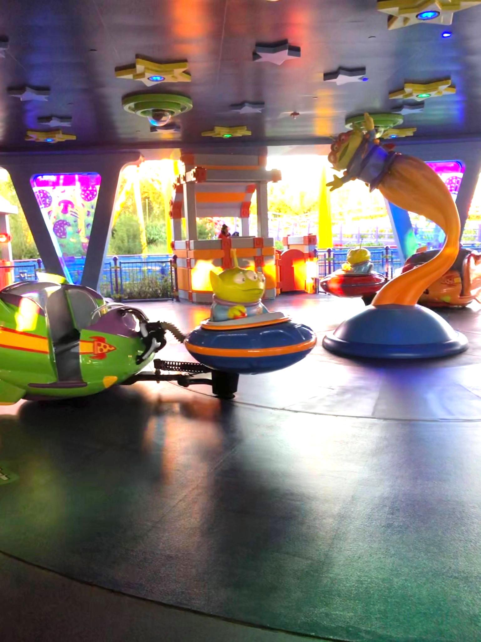Alien Swirling Saucers Ride Car Seats