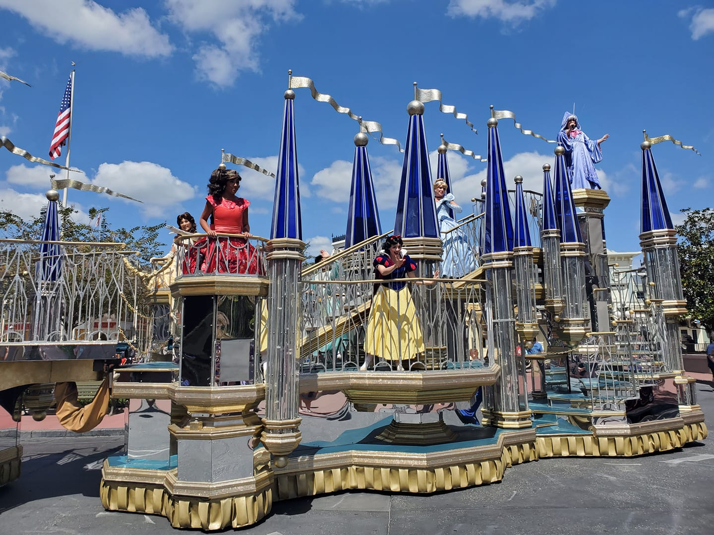 Pop up parade during Disney World's COVID changes