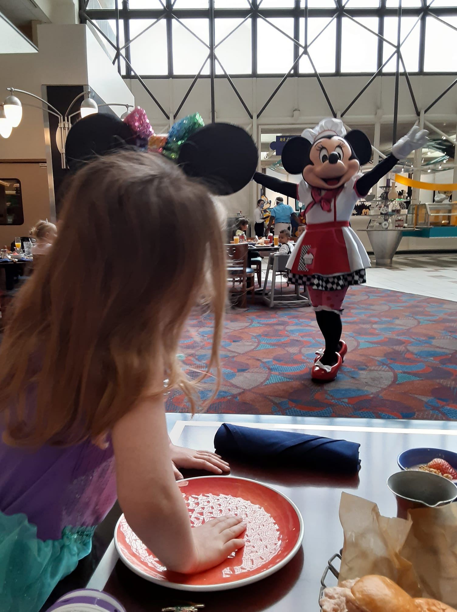 Character breakfast at Chef Mickey's with social distancing